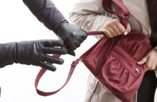 Чем отличается кража от грабежа: основные отличия и наглядные примеры